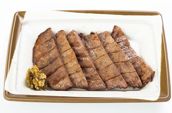 職人が焼き上げた味の牛たん喜助の牛タン焼き